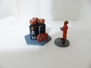 oil cans.JPG