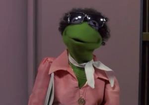 Kermit-MuppetstakManhattan-desguise.png